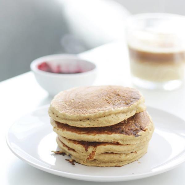 Pancakes vegan Moëlleux et sans banane